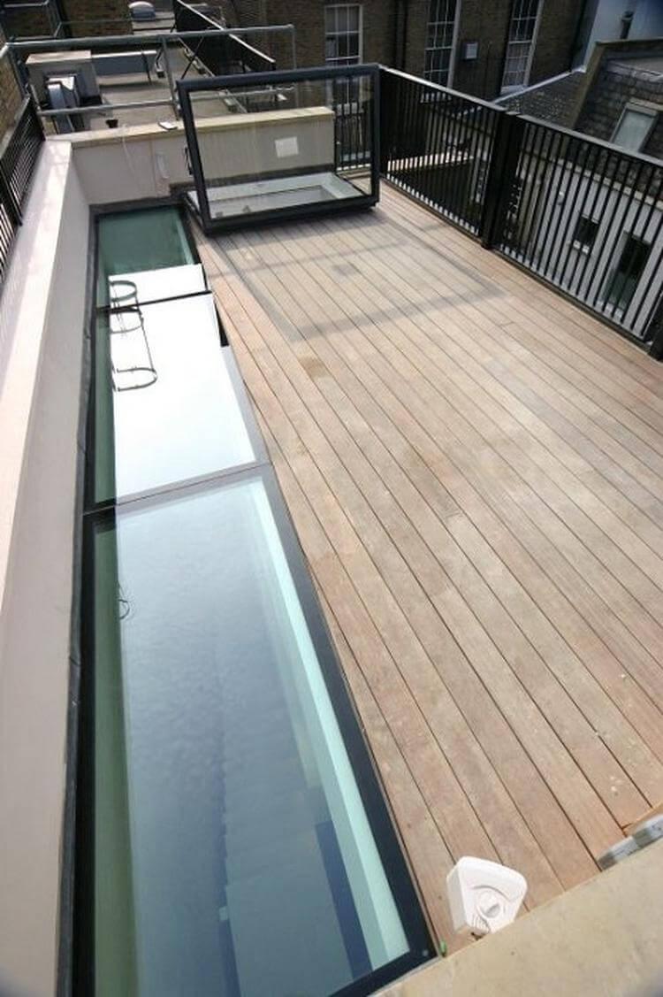 Vi kan leverera takfönster och walk-on glas med väggfäste på högst tre sidor