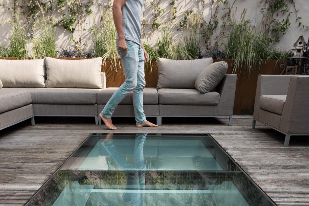 Walk-on glas i en takterrass i Amsterdam