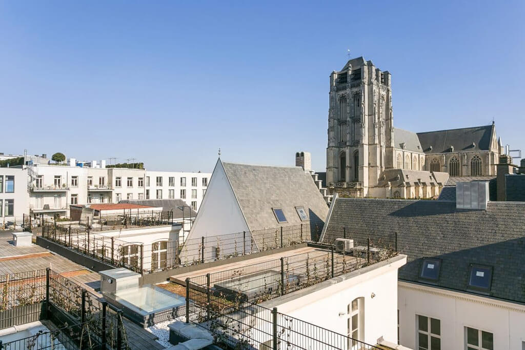 Skydoor electric roof acces hatch roof terrace Antwerp
